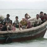 ဘဂၤလားေဒ့ရွ္သို႔ ခိုလံႈရန္ နယ္ျခား နတ္ျမစ္ကို ျဖတ္ကူးလာသည့္ မြတ္စလင္ ဒုကၡသည္မ်ား (ဓာတ္ပံု – Reuters)