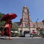 ရန္ကုန္တုိင္း တရားလႊတ္ေတာ္ခ်ဳပ္႐ံုး (ယခင္ ဗဟုိတရား႐ံုးခ်ဳပ္) ကုိ ေတြ႕ရစဥ္ (ဓာတ္ပုံ - Reuters)