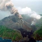 ၂၀၀၅ ခုႏွစ္အတြင္းက ရုိက္ကူးထားေသာ ဘာရန္ကၽြန္းမီးေတာင္ပုံ (ဓာတ္ပုံ - volcano.si.edu)
