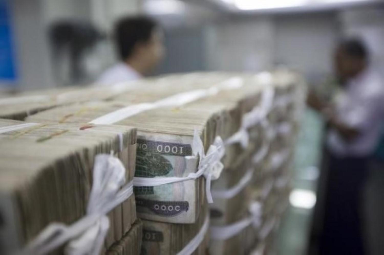 စက္တင္ဘာ ၃၀ ရက္ေန႔က ဒါဗာအို ႏိုင္ငံတကာ ေလဆိပ္တြင္ ေတြ႔ရေသာ ဖိလစ္ပိုင္ သမၼတ ဒူတာေတး (ဓာတ္ပံု - Reuters)
